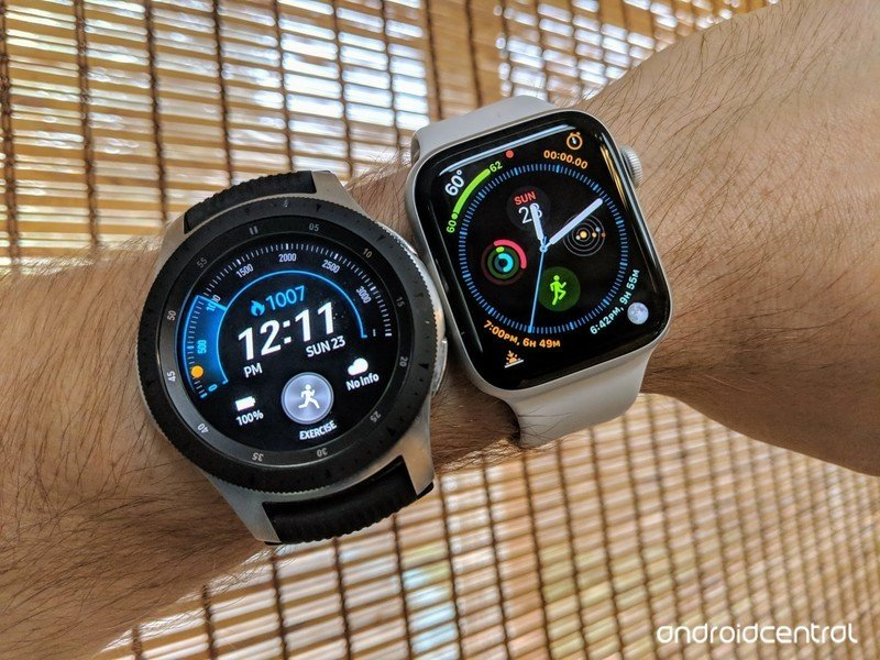galaxy-watch-apple-watch.jpg