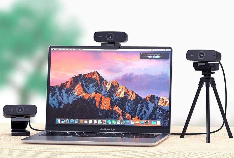 aukey-pc-w3-webcam-lifestyle.jpg
