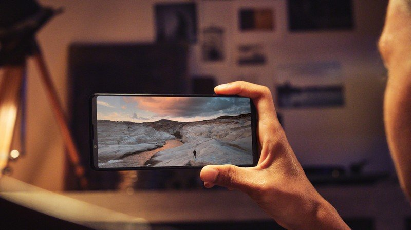 xperia-1-iii_cinephile_display-largesony