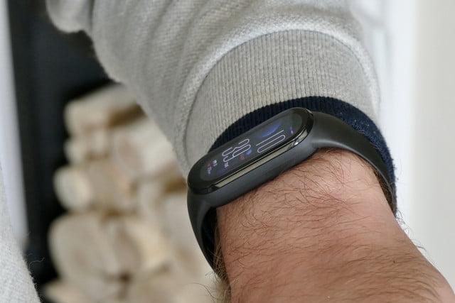xiaomi mi band 6 review wrist clock