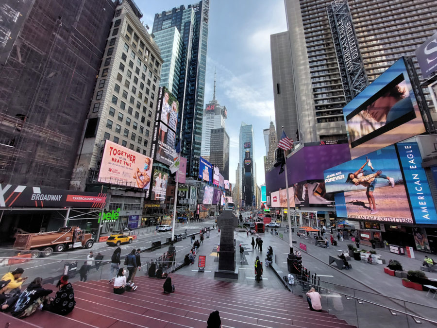 Samsung Galaxy A 52 5G photo sample times square wide angle