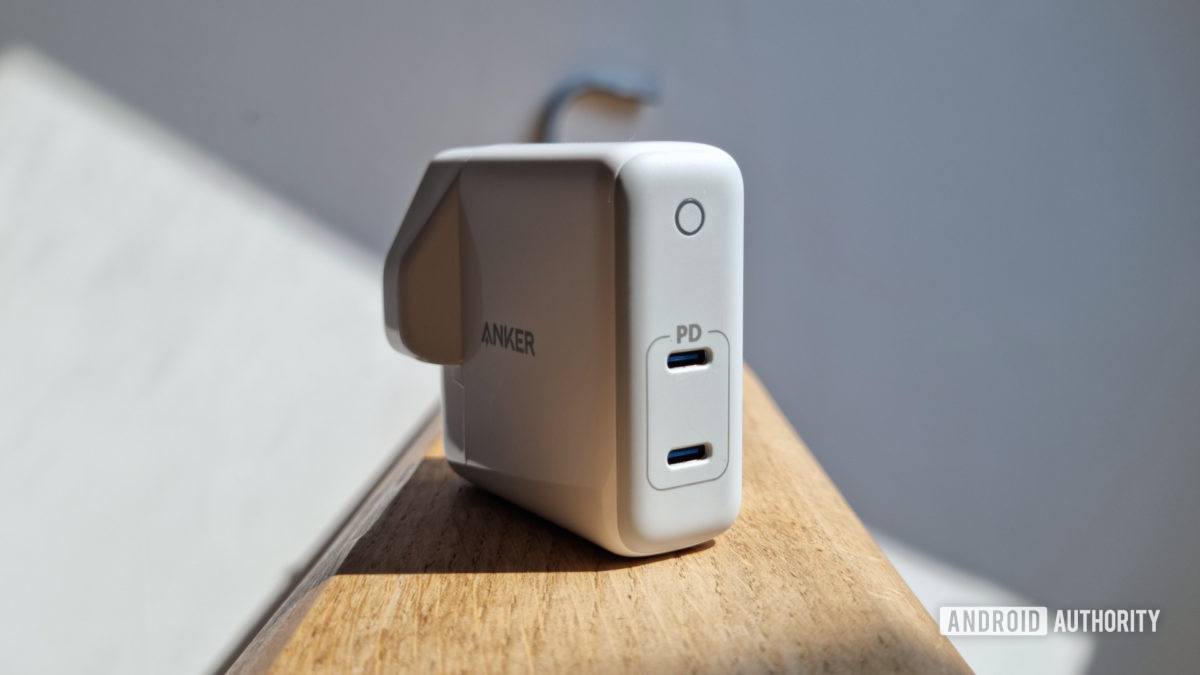 Anker PowerPort Atom PD 2 review front picture