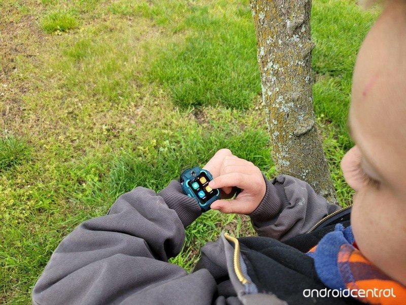 imoo-watch-phone-z6-lifestyle-02.jpg
