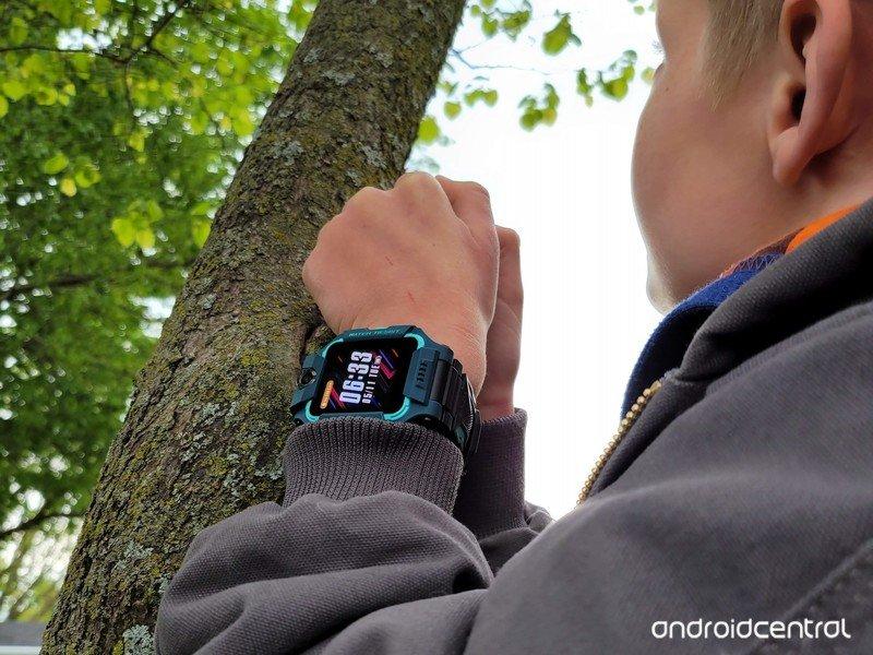 imoo-watch-phone-z6-lifestyle-7.jpg