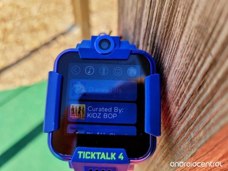 ticktalk-4-lifestyle-02.jpg