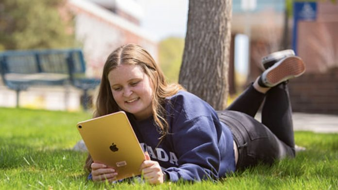 Apple Teams Up With the University of Nevada, Reno to Give Every Freshman a Free iPad Air
