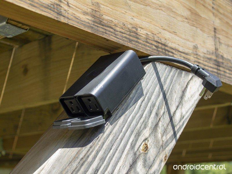 ring-outdoor-smart-plug-angle-mount.jpg