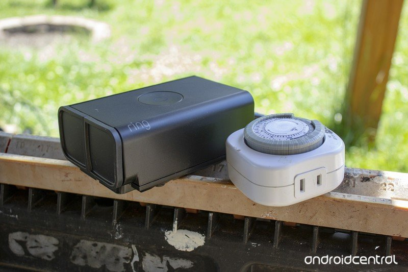 ring-outdoor-smart-plug-with-old-timer.j