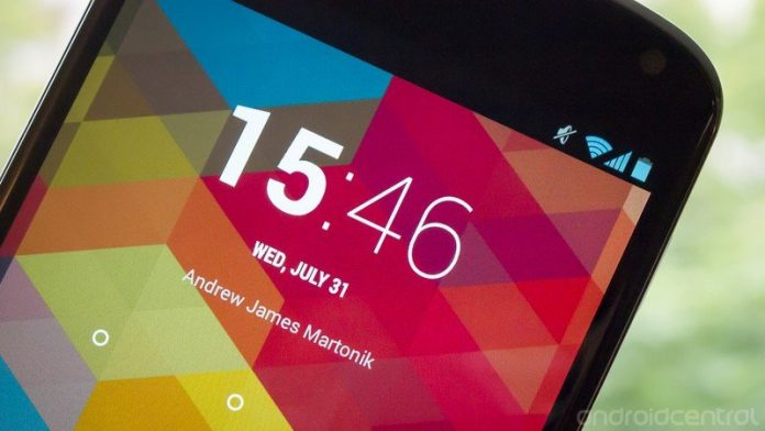 Your Android phone's clock has a 24-hour format. Here's how to use it!
