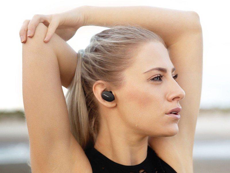 bose-sport-earbuds-black-lifestyle.jpg