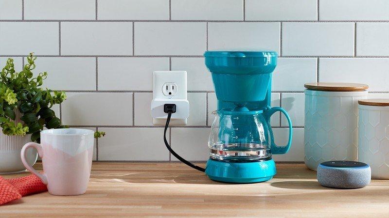amazon-smart-plug-official-lifestyle.jpg