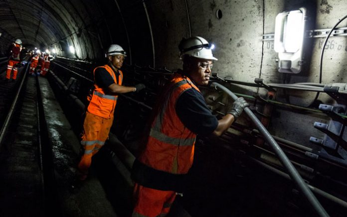 London Underground to Gain Full Mobile Phone Coverage by 2024