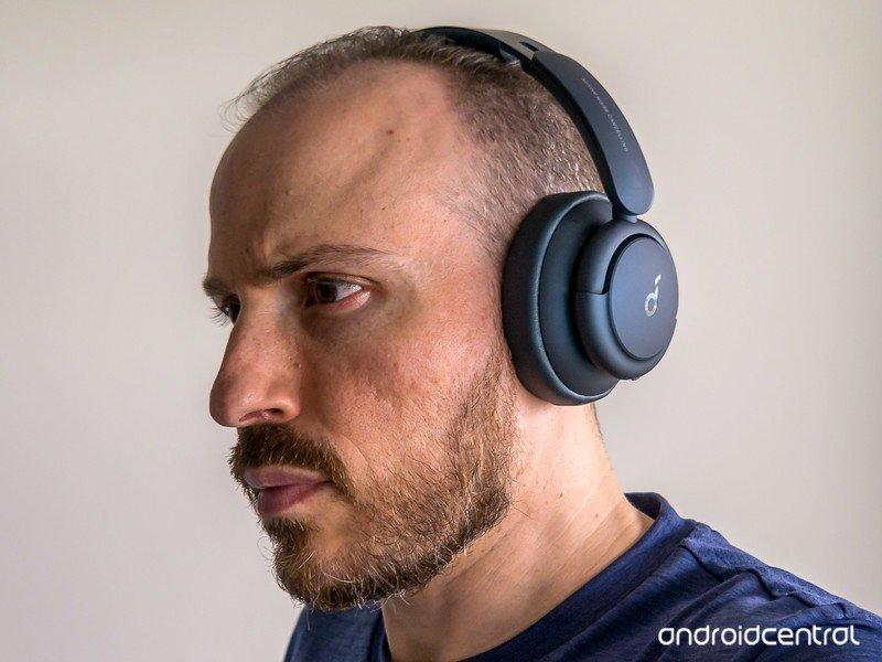 soundcore-life-q35-wearing.jpg