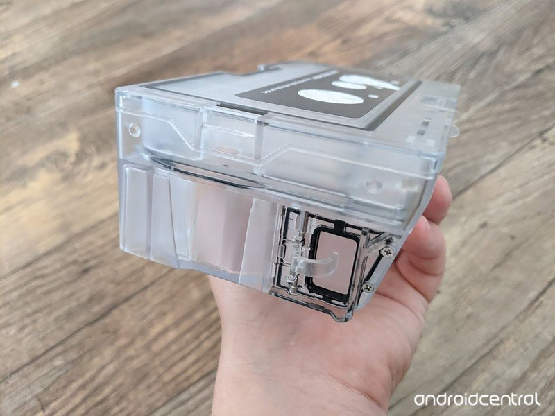 roborock-auto-empty-dock-dustbin.jpg