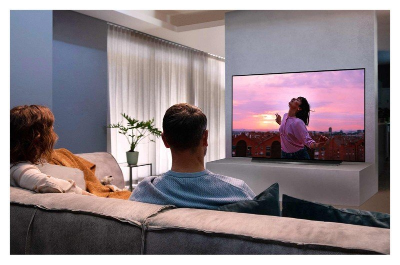 lg-oled-cx-tv-lifestyle.jpg