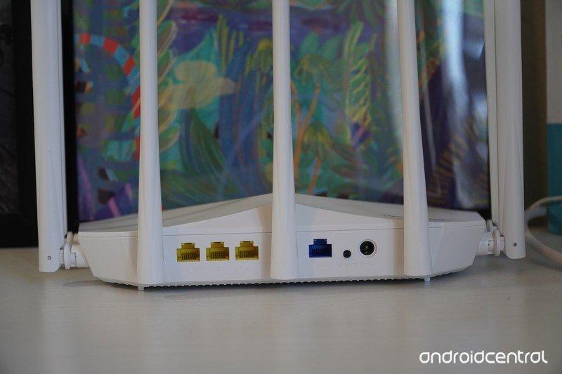 speedefy-k7w-router-review-ports-empty.j