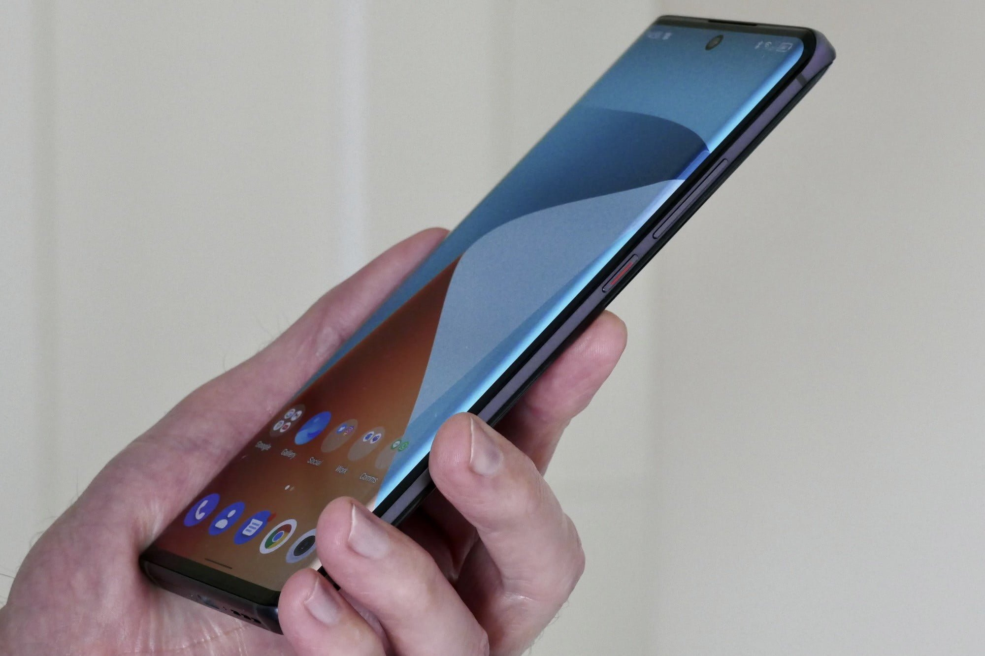 The curve on the TCL 20 Pro 5G's screen.