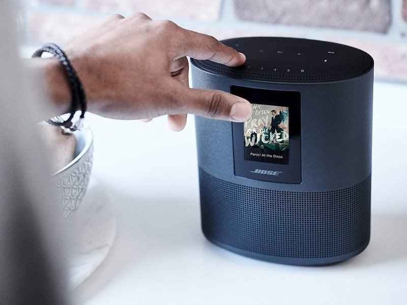 bose-home-speaker-500-lifestyle_cropped.
