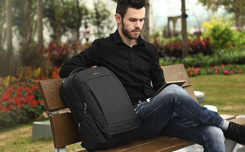 kopack-business-laptop-backpack-lifestyl