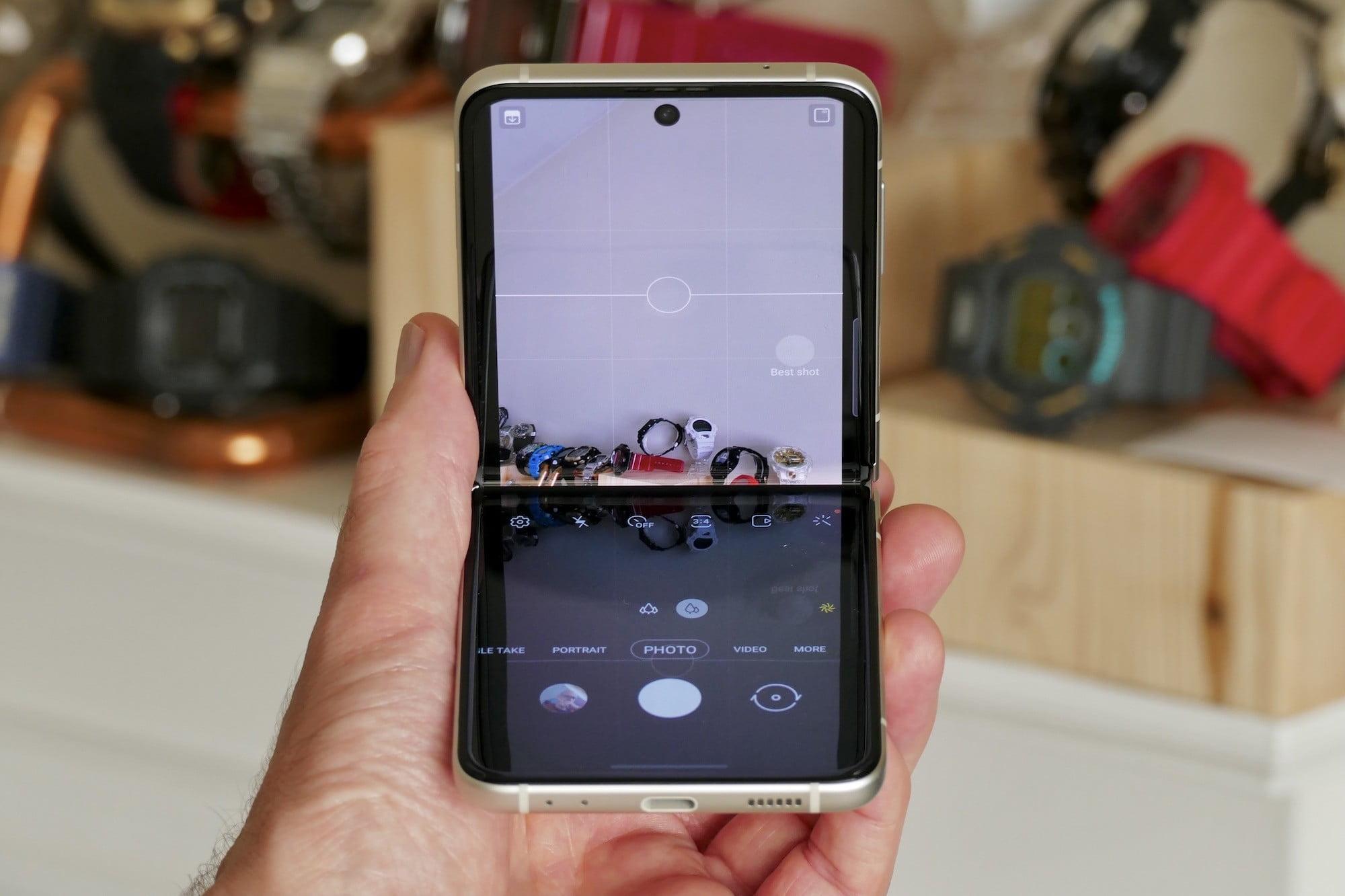 Galaxy Z Flip 3's camera app.