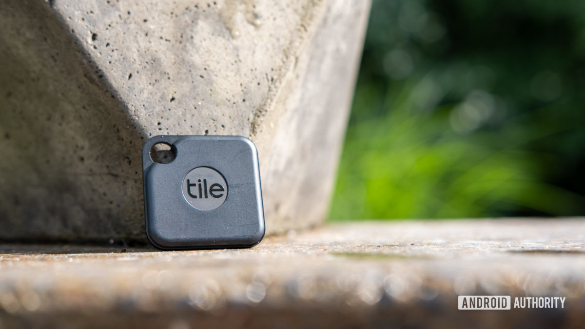 Image of the Tile Pro on a cement countertop