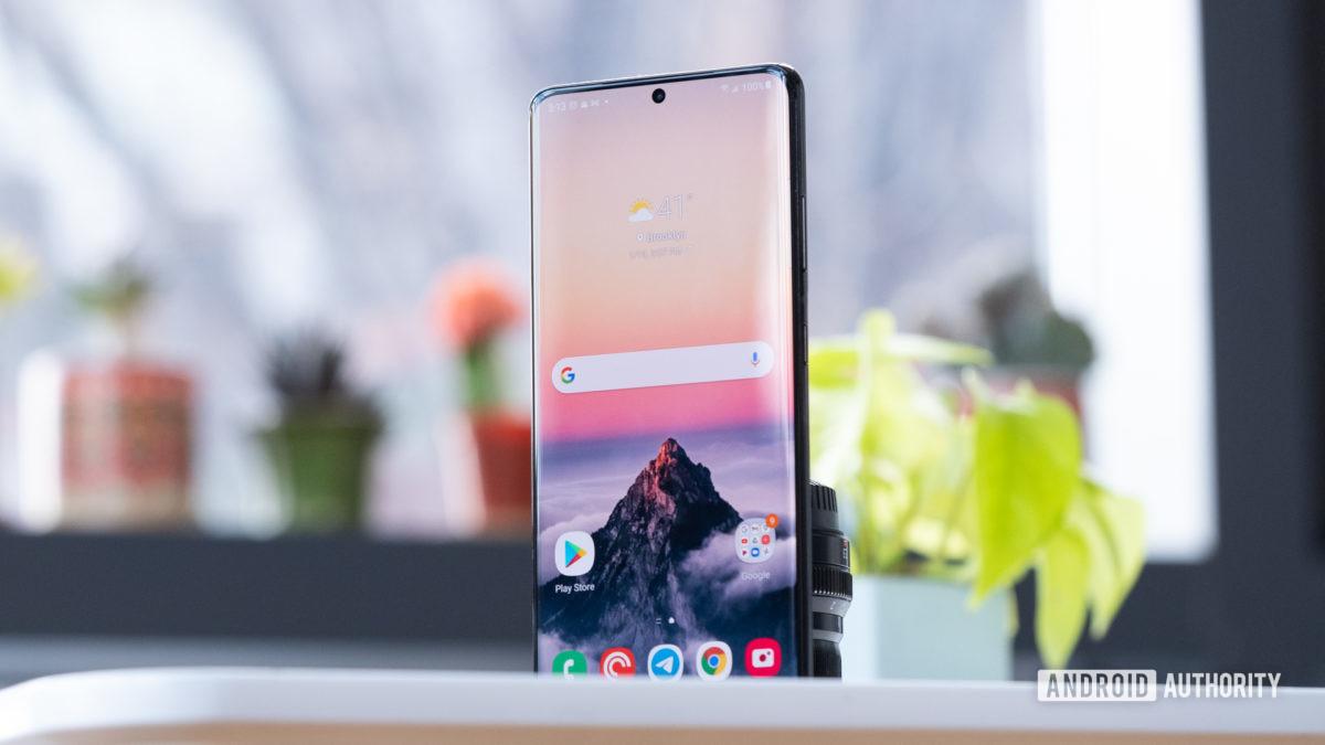 Samsung Galaxy S21 Ultra display on table at angle