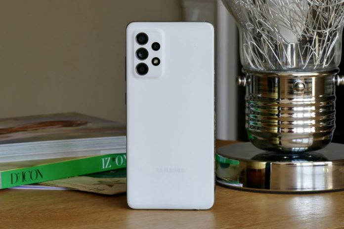 Galaxy S22 release date rumored for January; Samsung misses 2021 sales targets