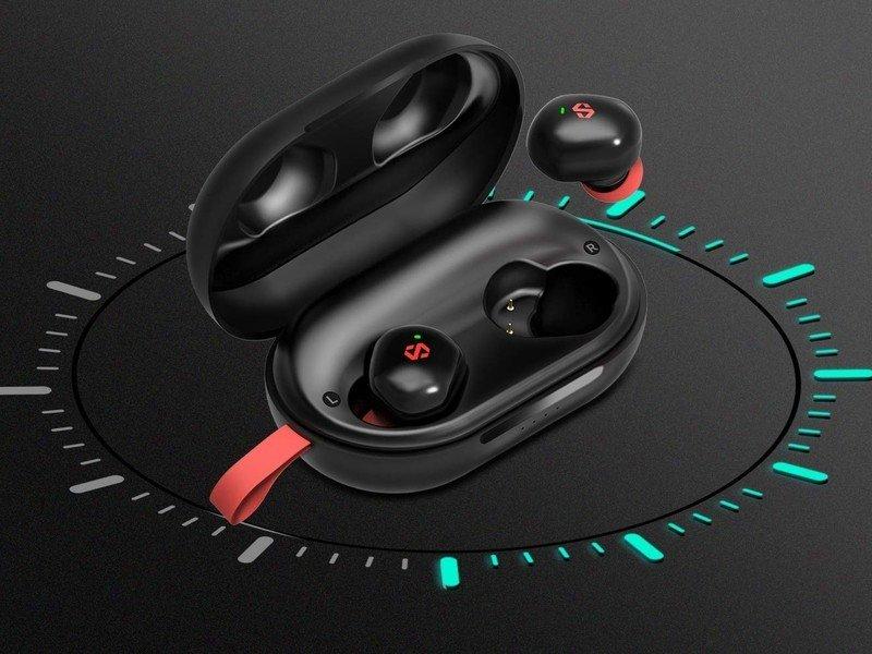 dyplay-true-wireless-earbuds-lifestyle.j
