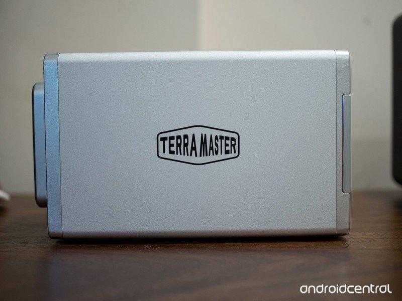 terramaster-f2-221-8.jpg
