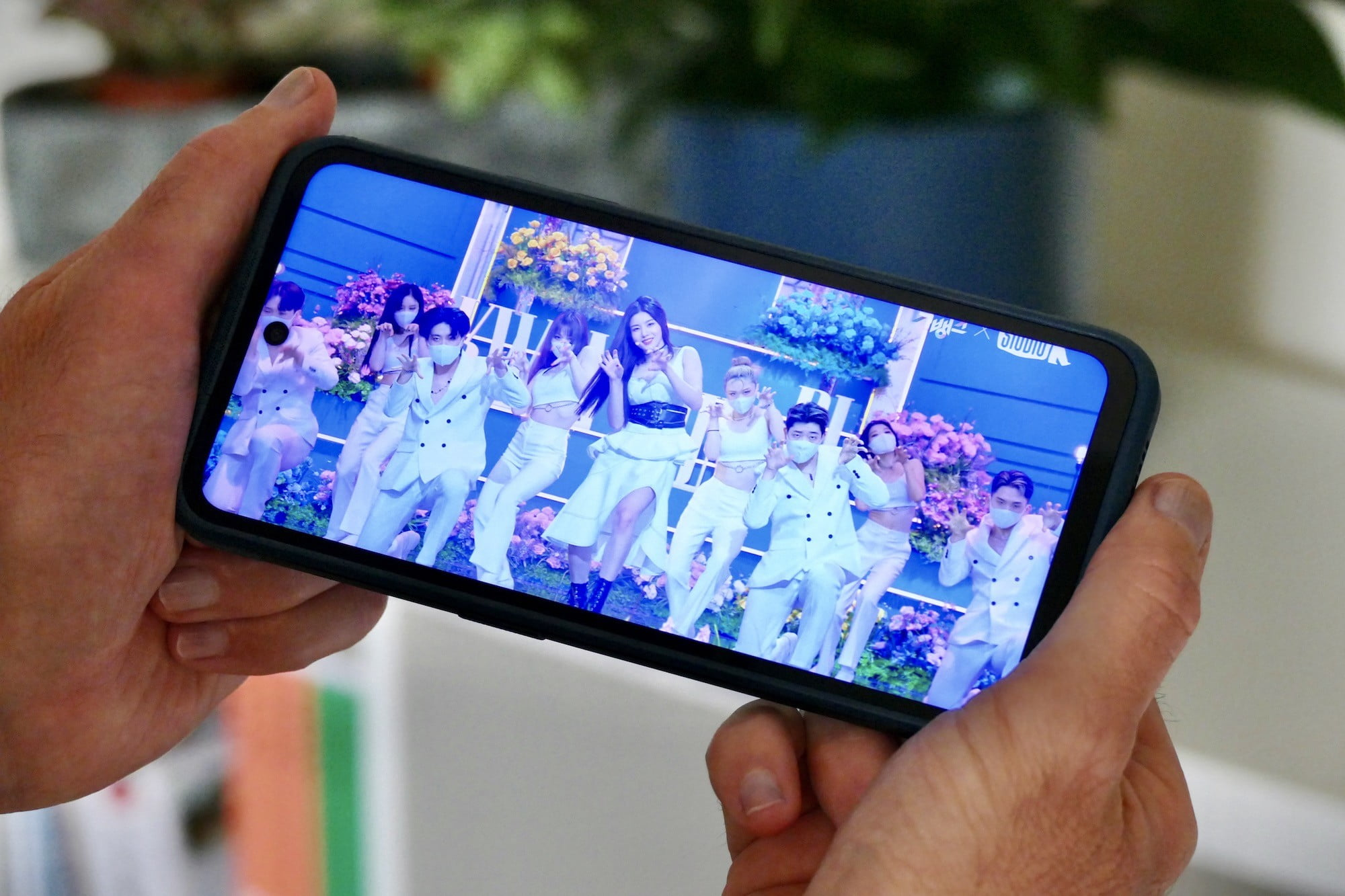 Video playing on the Nokia XR20.