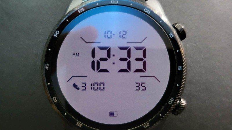 ticwatch-pro-3-ultra-gps-lifestyle-10.jp