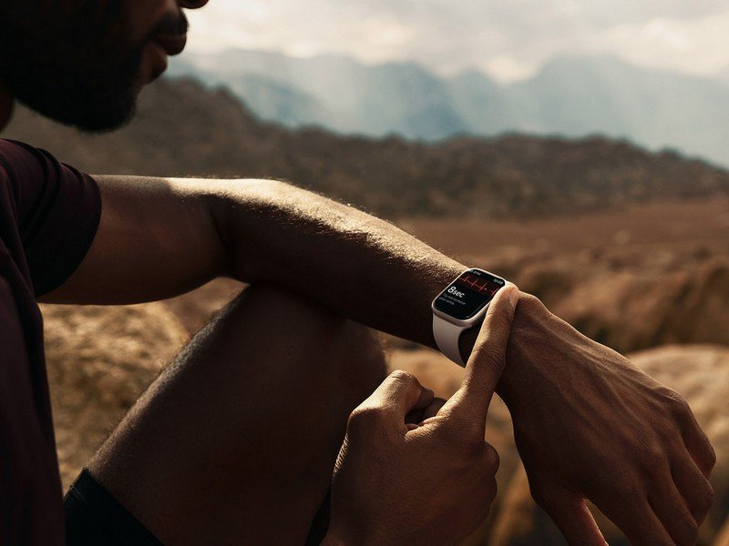 apple-watch-series-7-spo2-lifestyle.jpg