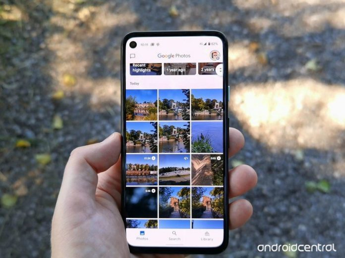 Use a Locked Folder to keep your private images, private